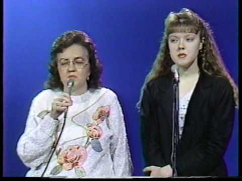 Henrietta and Merna Can't Sing - Go Tell It On The Mountain