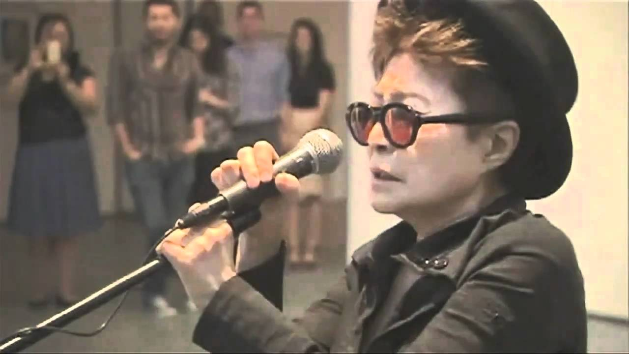 Yoko Ono Screaming at Art Show!