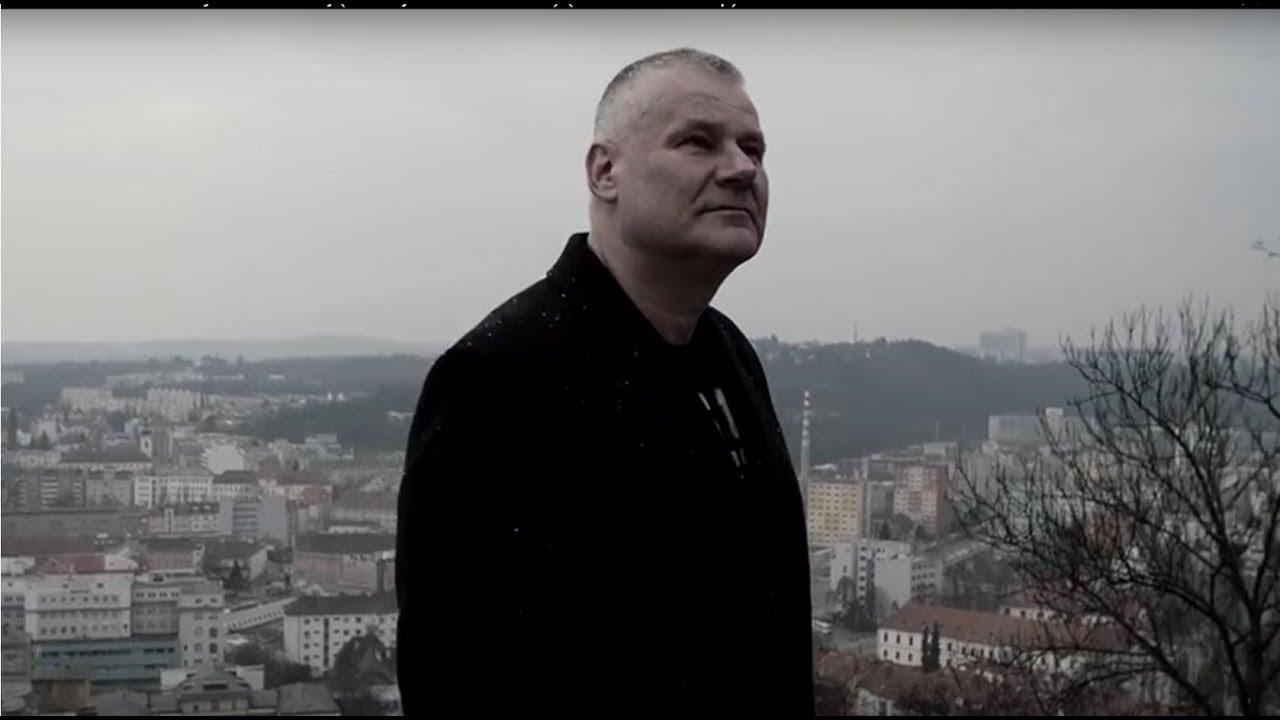 JIŘÍ KAJÍNEK a PAVEL RYŠKA – Nikdy to nevzdávej (Jiří Kajínek v hlavní roli videoklipu)