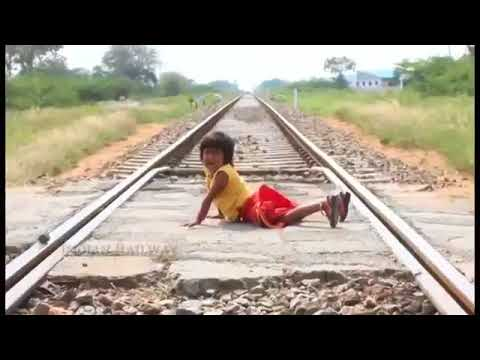 Indian Movie Train Accident (saddest scene ever)
