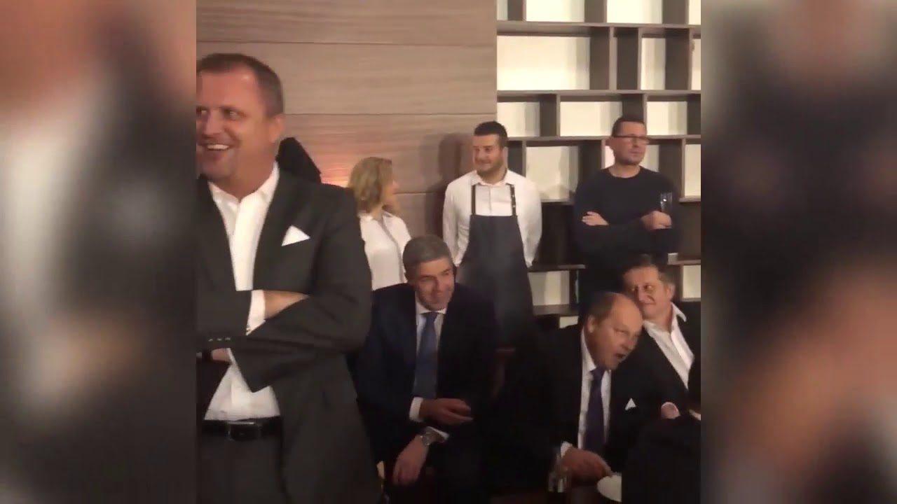 Robert Fico sa 6. decembra 2018 zahral na Mikuláša